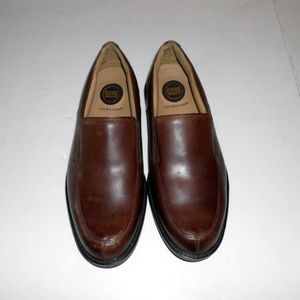 Croft & Barrow Core Technology  11M  Brown Leather
